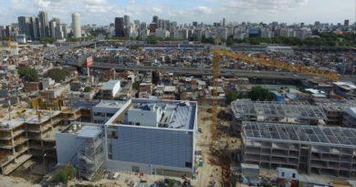 En medio de la Villa 31, abrió la escuela pública más moderna de la Ciudad